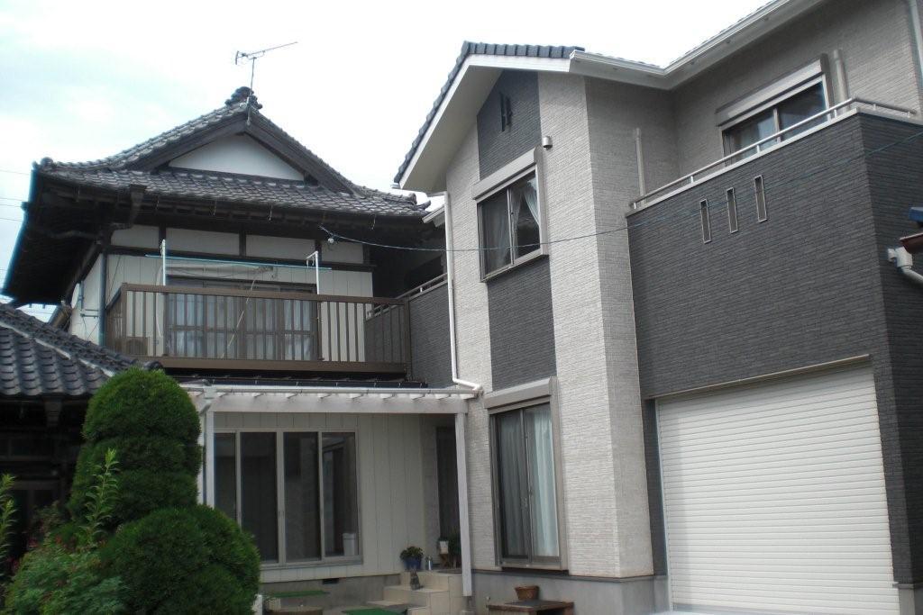 2棟つなげた二世帯住宅の外観