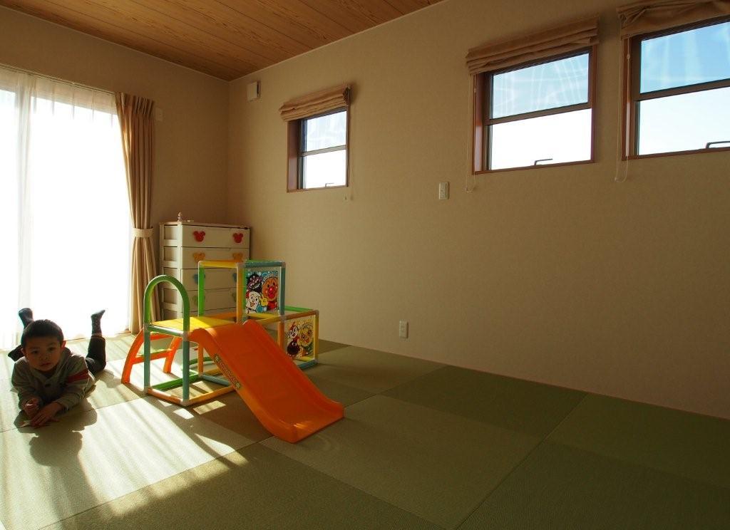 ヘリなし畳の和室