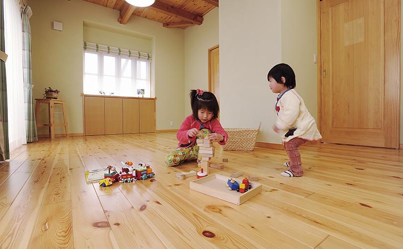 子育て家族を応援する自然素材の住まい