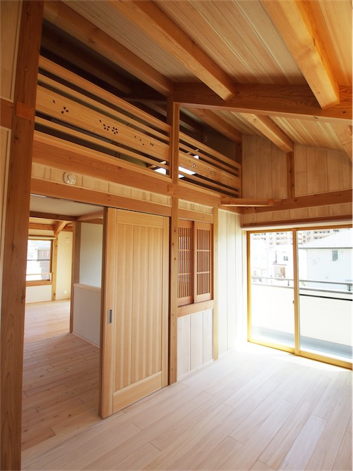 シンプルを極めた本物の無垢材仕様自然と癒しの家