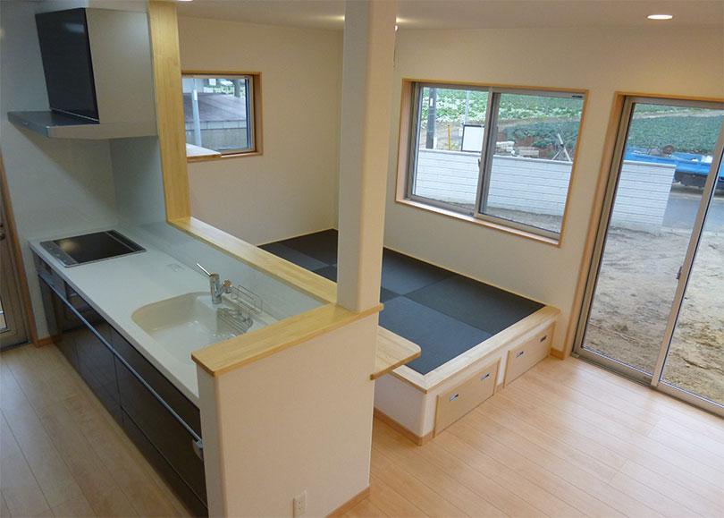 キッチンに便利な畳スペース