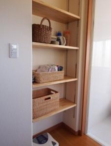 洗面脱衣所の造作収納棚