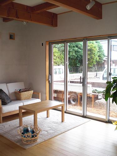 鹿嶋市で家族が自然と集まるリビングのある新築一戸建て