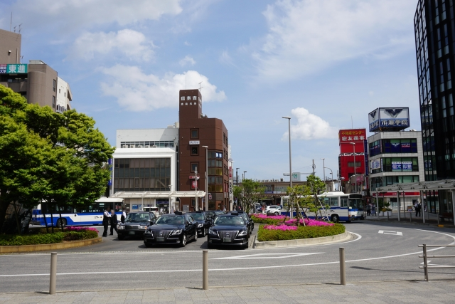 成田駅のバスロータリー