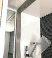 S様邸の浴室設備オーバーヘッドシャワー