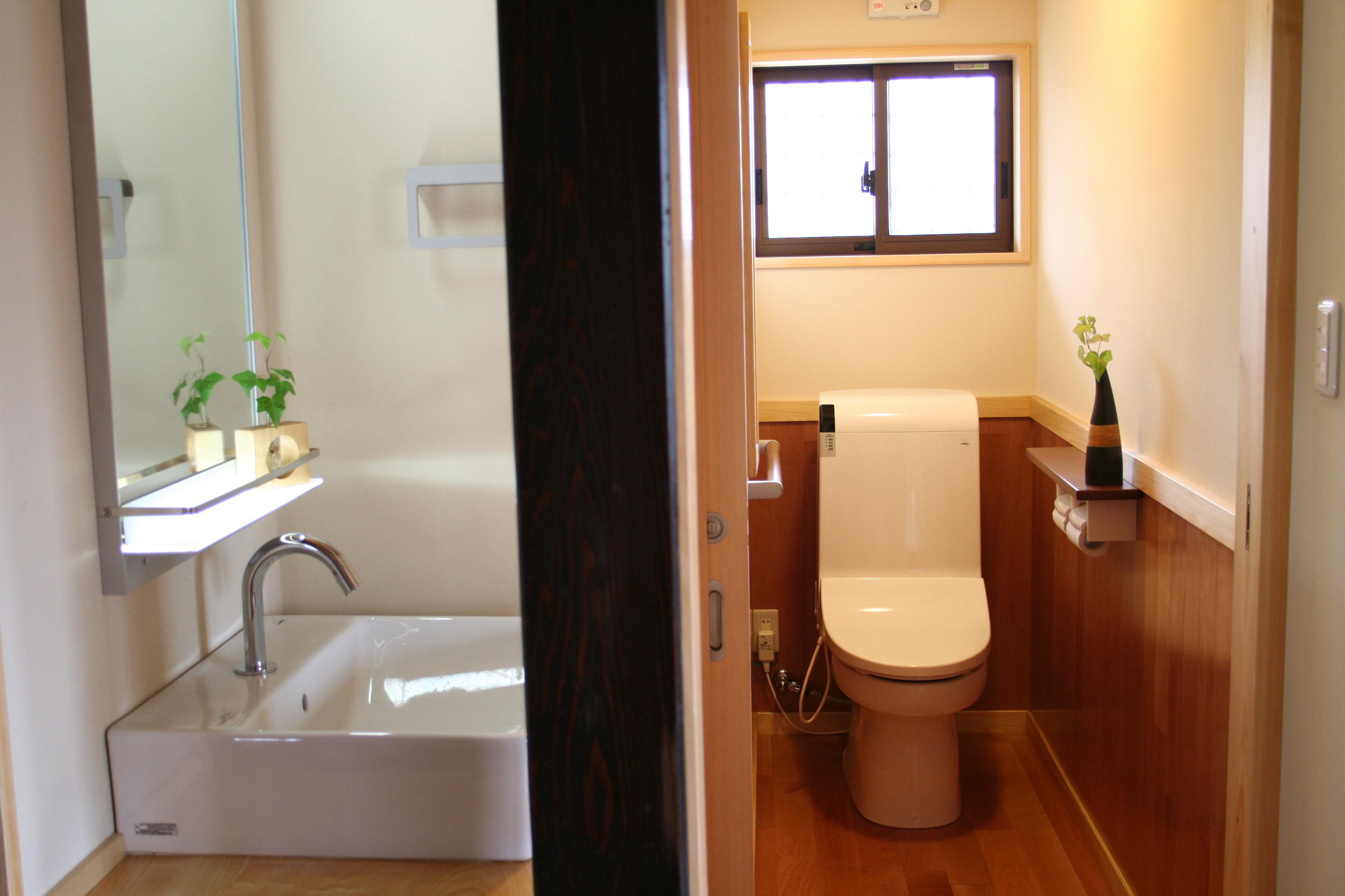 水回り(トイレ・手洗い場)