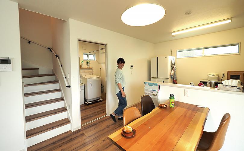 キッチンと洗面脱衣所の動線の良い間取り
